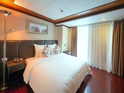 HALONG BAY 3 DAYS/ 2 NIGHT - Two nights on La Vela Cruise.