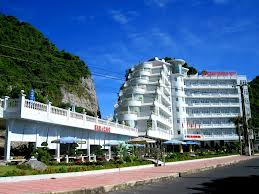 Halong Cat Ba Island (3 days/ 2 nights - boat & hotel sleeping)